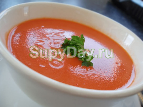 Сырный суп пюре с помидорами