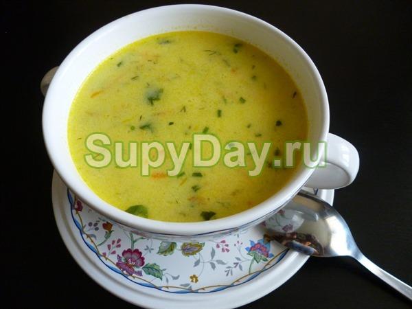 Сырный суп пюре с курицей и рисом