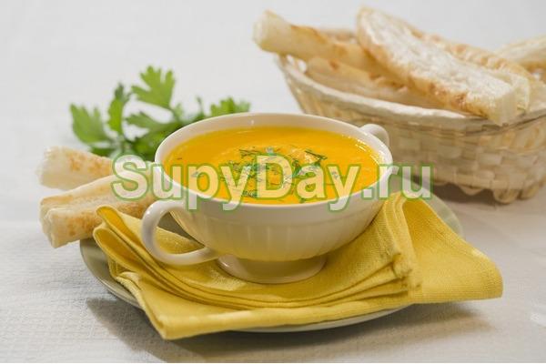 Суп пюре из картофеля и моркови