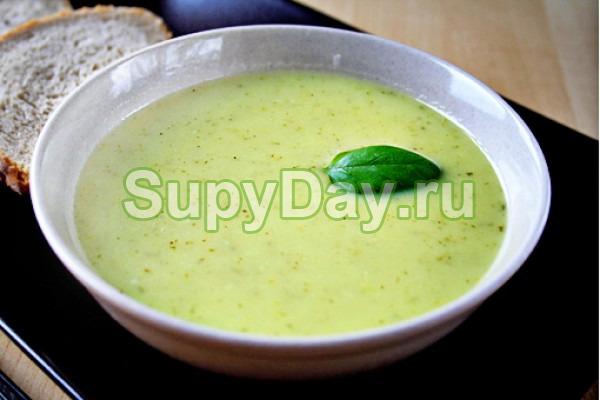 Суп пюре из картофеля сельдереем