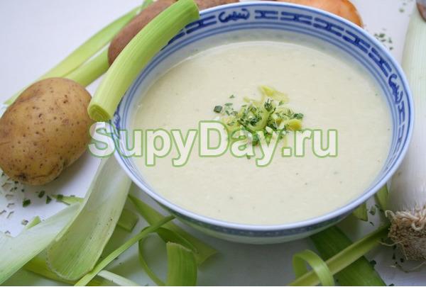 Суп пюре из картофеля с луком пореем