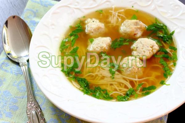 Суп с фрикадельками и вермишелью из мультиварки