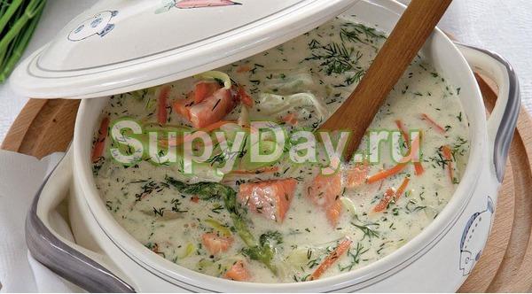 Суп из лосося со сливками и с копченым лососем