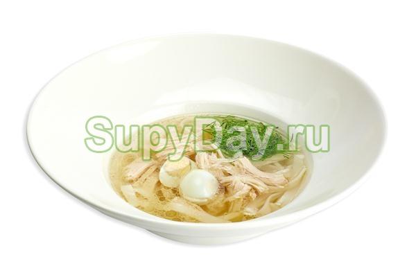Классический суп из куриной грудки с лапшой