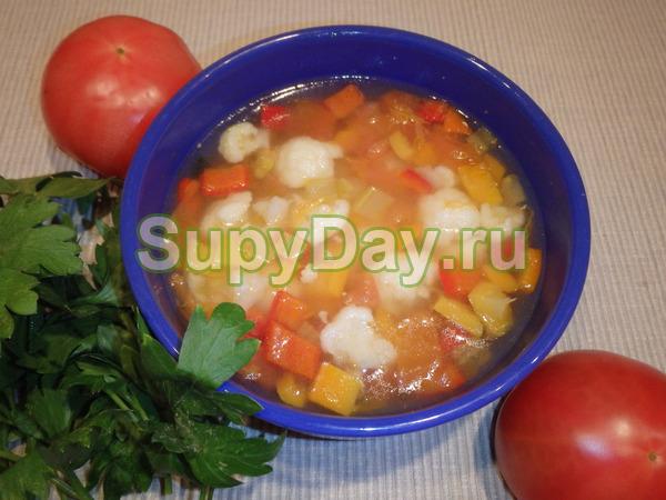 Суп из цветной капусты с овсянкой и соленым огурцом