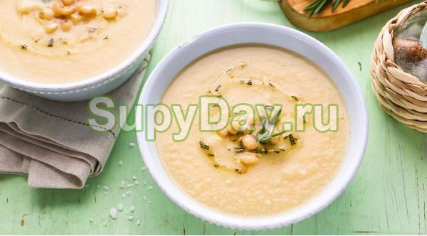 Суп из цветной капусты с мидиями и фенхелем