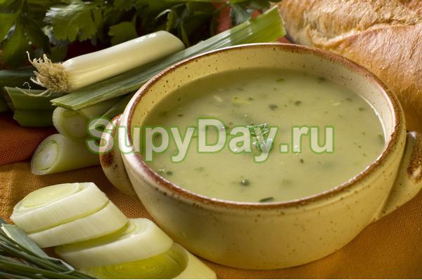 Грибной суп с пореем и шалотом