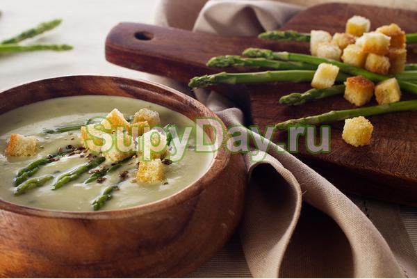 Грибной суп со спаржей