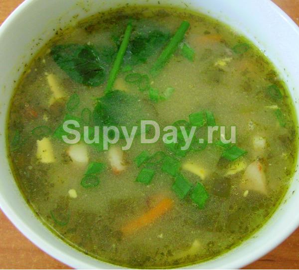 Суп со щавелем и белыми грибами