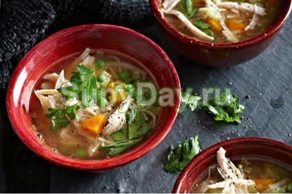 Суп с копченой курицей по-домашнему