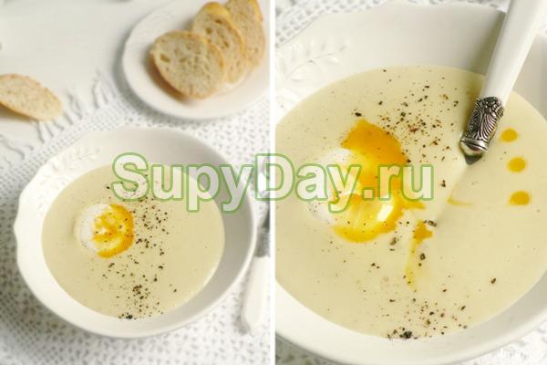 Простой чесночный суп с яйцом пашот