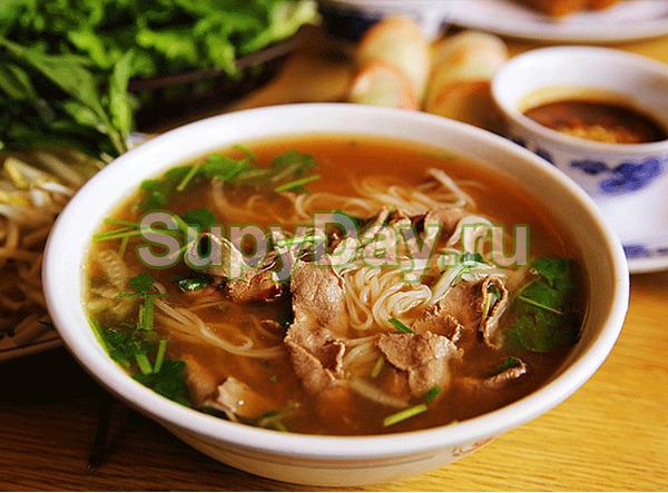 Суп лапша с курицей и рисовой лапшой