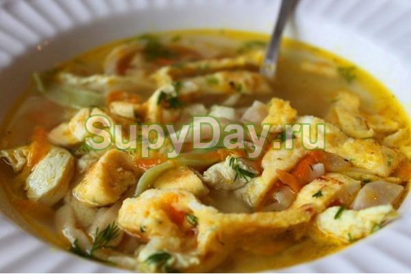 Домашний куриный суп с необычной лапшой