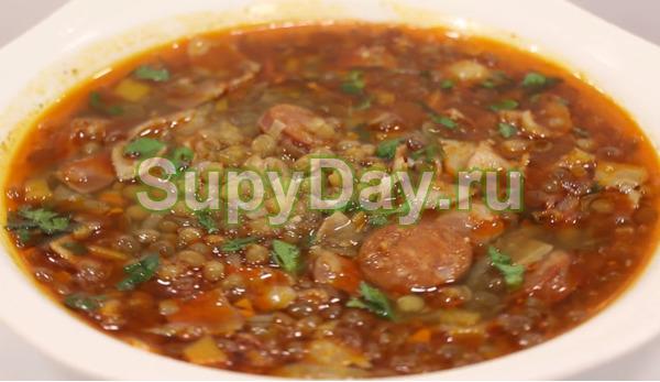 Суп из чечевицы с мясом и колбаской