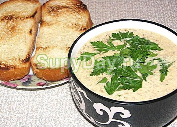 Сливочный суп-пюре из сушёных белых грибов