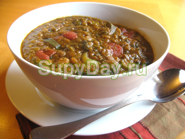 Томатный суп с машем и курицей