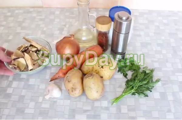 Сырно-грибной суп с вермишелью