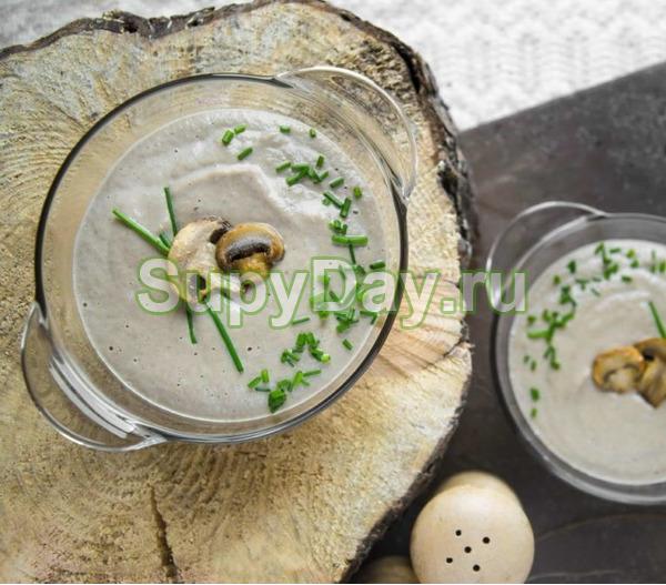 Грибной сливочный суп-крем с мелкой лапшичкой
