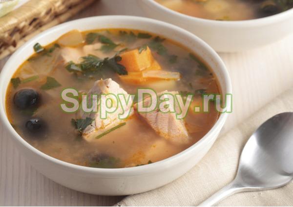 Суп из консервированной горбуши и перловки