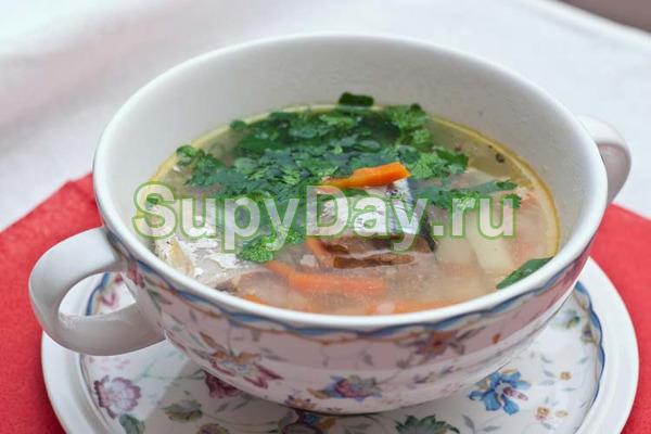 Суп из консервированной горбуши и зеленого горошка