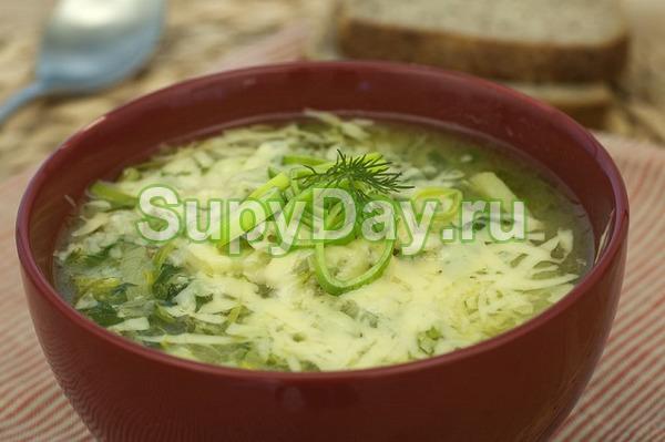 Яичный суп со шпинатом и вермишелью