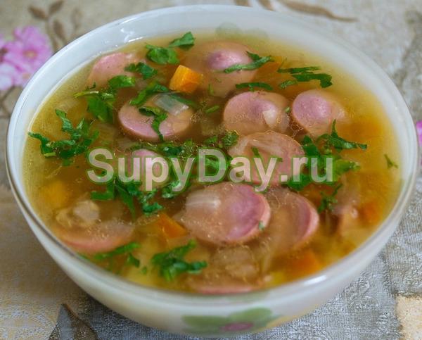 Суп с яйцом и сосисками