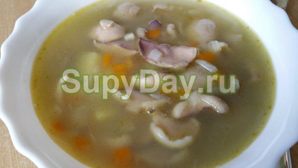 Суп из маслят с шампиньонами