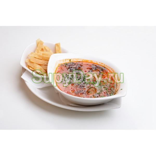 Изысканный суп из сушеных грибов с вялеными томатами и вином