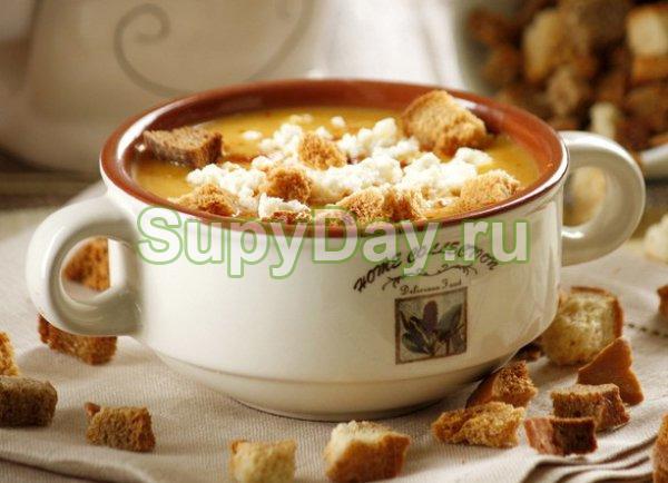 Суп с рисом и гренками