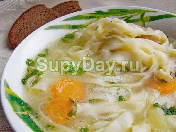 Куриный суп с домашней лапшой – блюдо выходного дня