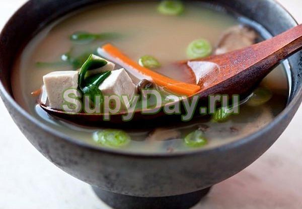 Суп мисо со свининой и овощами
