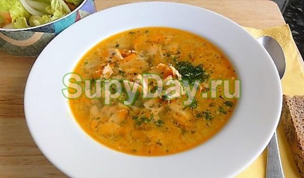 Золотистый суп из горбуши