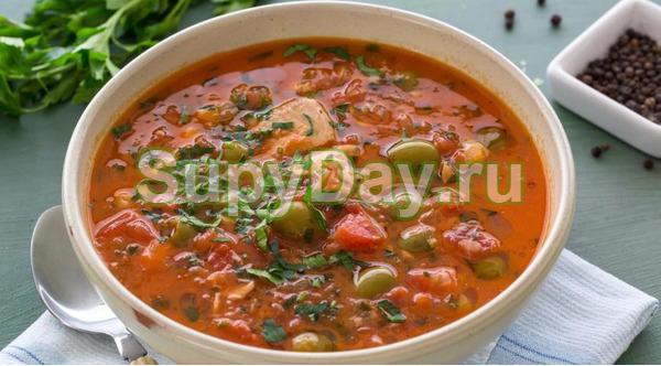Томатный суп с горбушей и оливками
