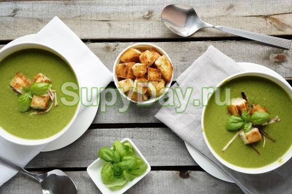 Зеленый витаминный суп-пюре из горбуши