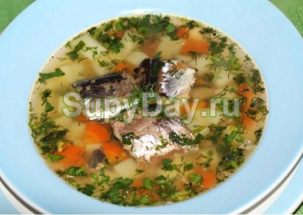 Рыбный суп из консервов горбуши классический