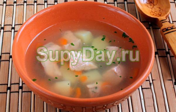 Рыбный суп из консервов горбуши с плавлеными сырками