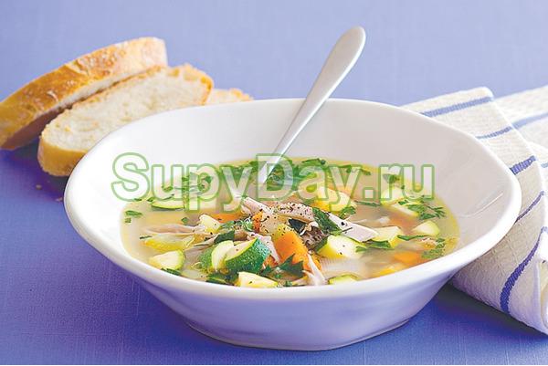 Рыбный суп из консервов горбуши и пшеном