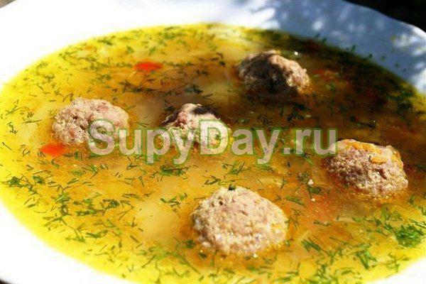 Гречневый суп с грибами и фрикадельками