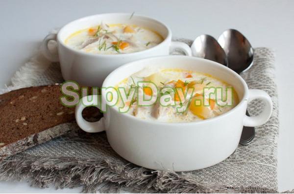 Грибной суп из шампиньонов с плавленым сыром и кроликом