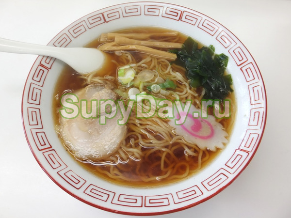 Классический японский суп-лапша Рамен