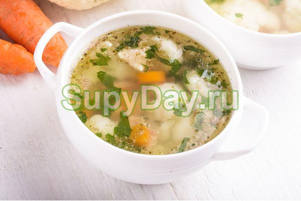Куриный суп с цветной капустой по-домашнему