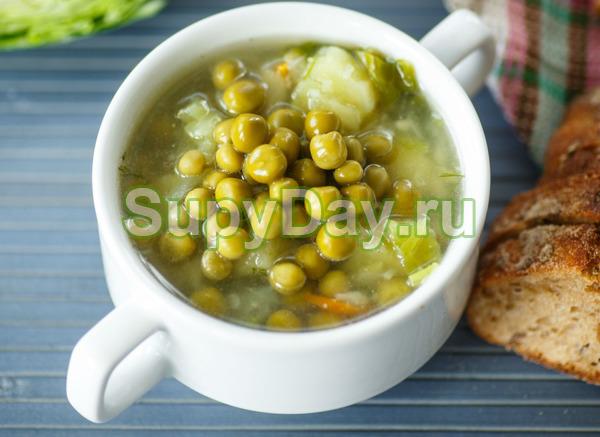 Куриный суп с цветной капустой и зелёным горошком
