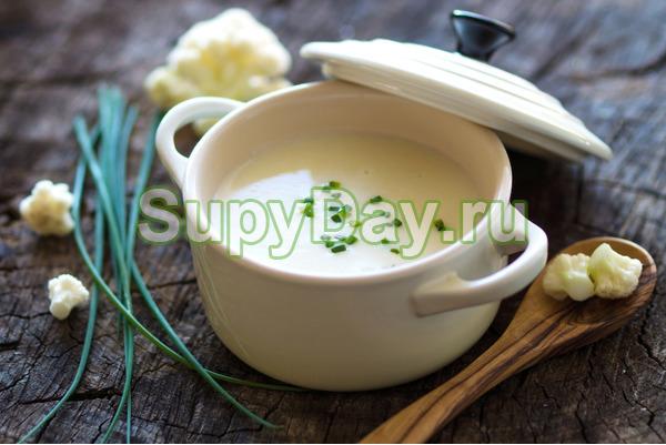 Крем-суп из цветной капусты со сметаной
