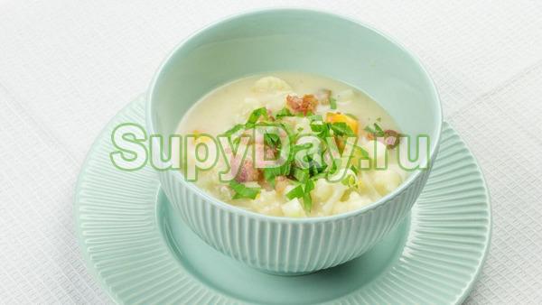 Грибной суп с цветной капустой на мясном бульоне