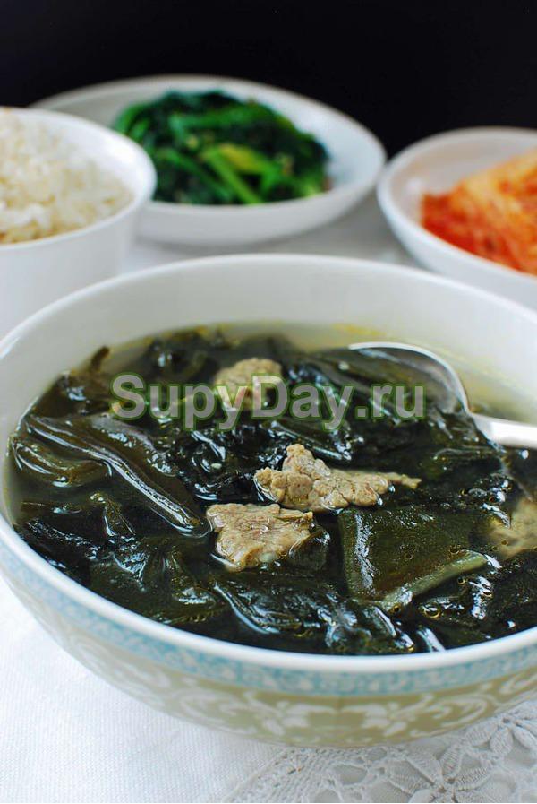 Суп с морской капустой Миёк-кук