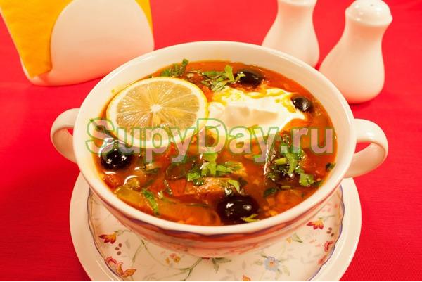 Суп из вермишели и зеленого горошка Солянка - рецепт пошаговый с фото