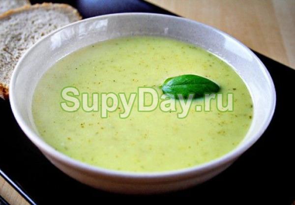 Суп с сельдереем, картошкой и кабачками