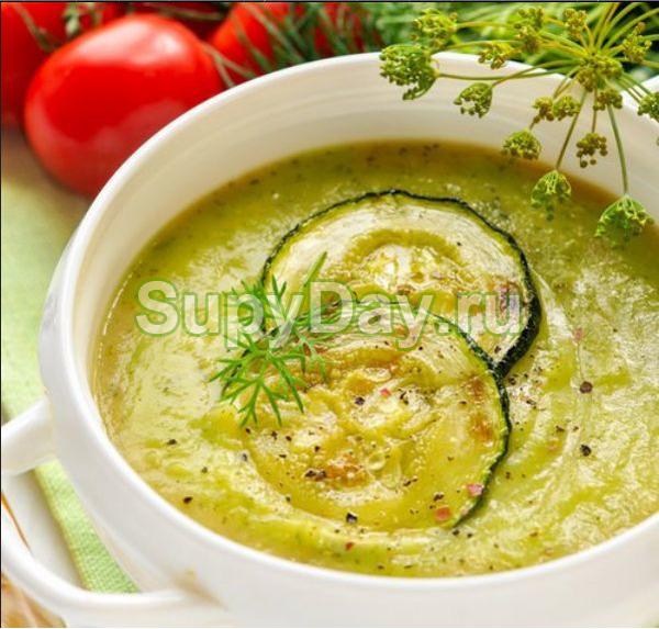 Суп-пюре с кабачком и картошкой на овощном бульоне